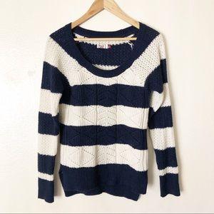 🌵striped sweater 🌵